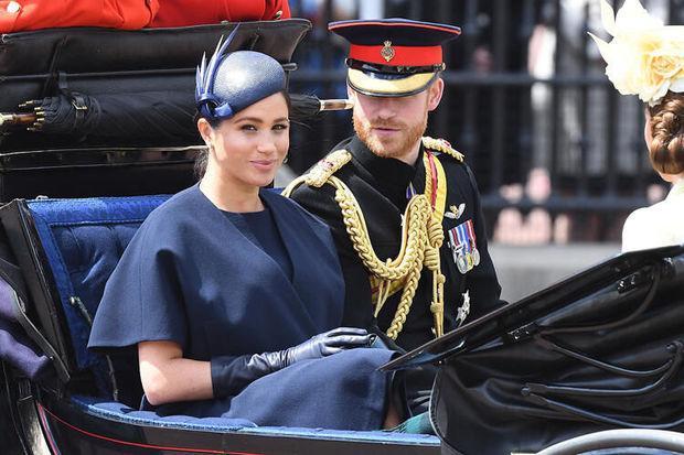 Kraliçanın gəlini hersoqinya oldu, vətəndaş ola bilmədi - FOTO