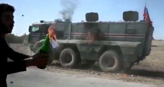 Suriyada kürdlər Rusiya hərbi texnikasını yandırdılar – VİDEO