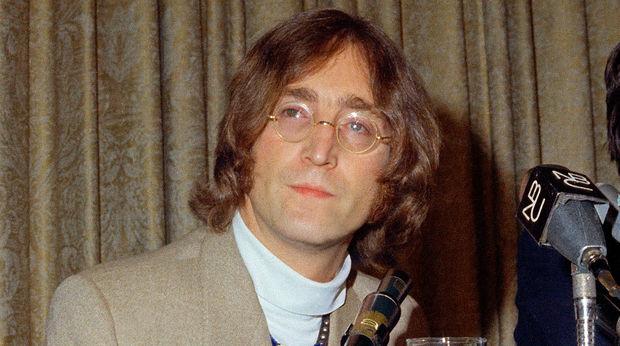 Con Lennonun eynəyi hərracda 183 min dollara satıldı - FOTO