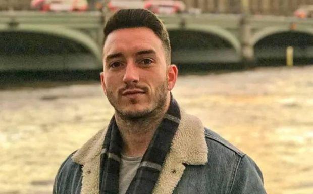 Türkiyədə futbolçu qaldığı otelin pəncərəsindən yıxılıb öldü