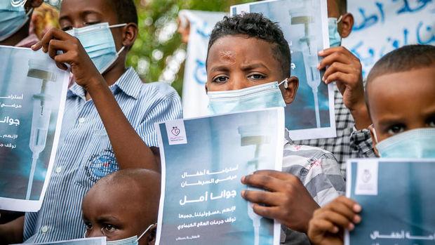 Sudanda onkoloji fəlakət: Uşaqlar etiraza başladılar