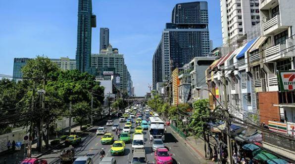Taylandda avtomobillərlə etiraz aksiyası keçirilib – VİDEO
