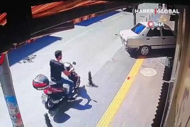 Antalyada idarəetməni itirən sürücü mağazaya çırpıldı – ANBAAN VİDEO